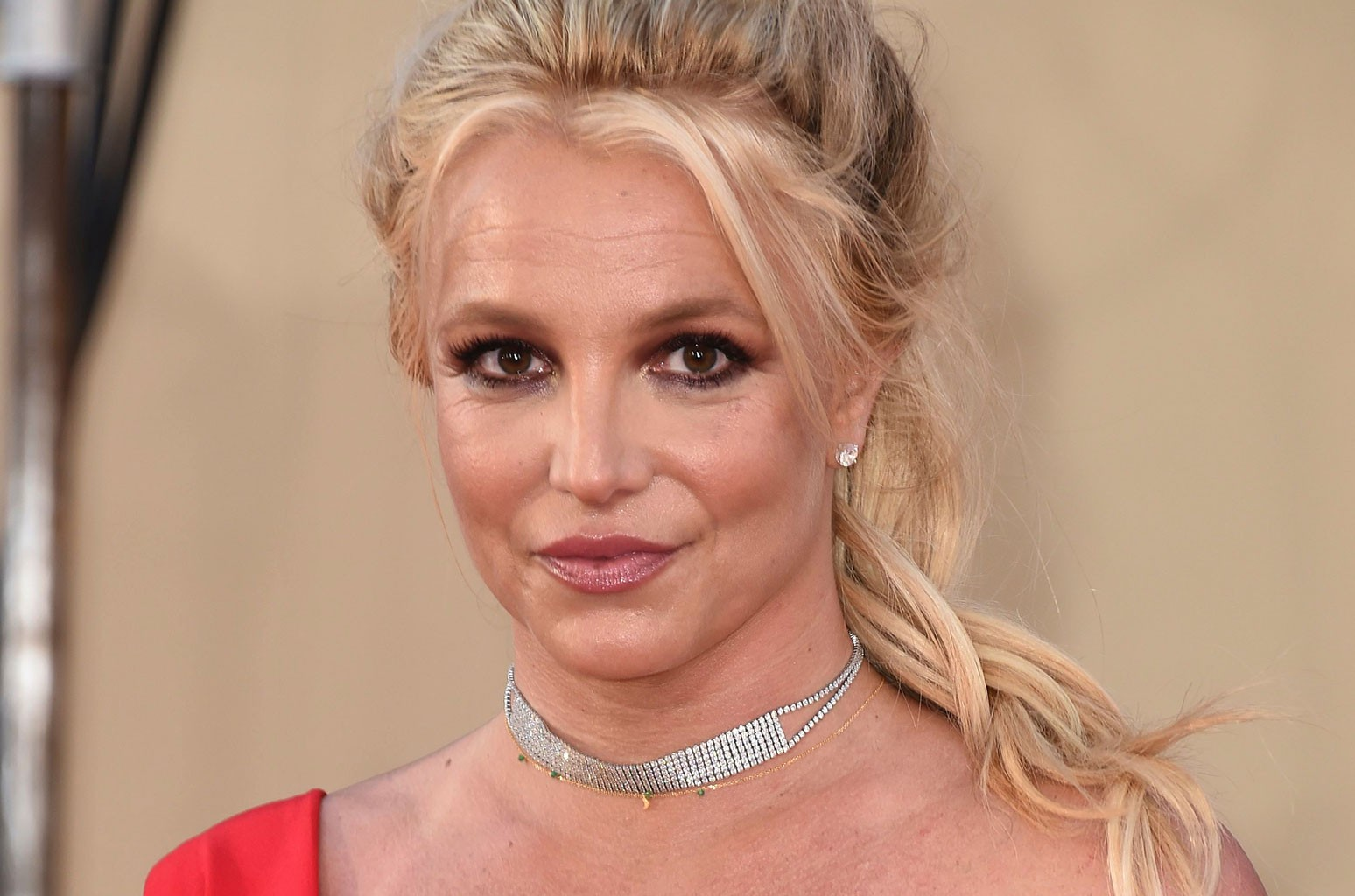 britney-spears-confesses-shes-feeling-overwhelmed-and-paints-her-stress-away-in-new-video