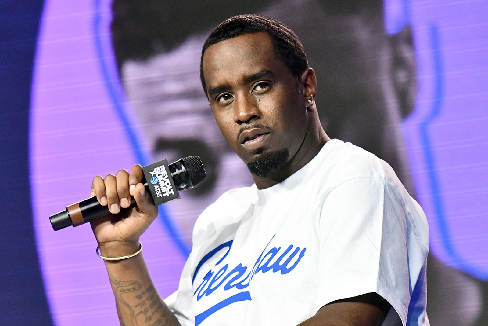 """""""diddy-says-he-once-woke-up-with-15-roaches-on-his-face-growing-up-and-the-internet-has-a-field-day-mocking-him"""""""