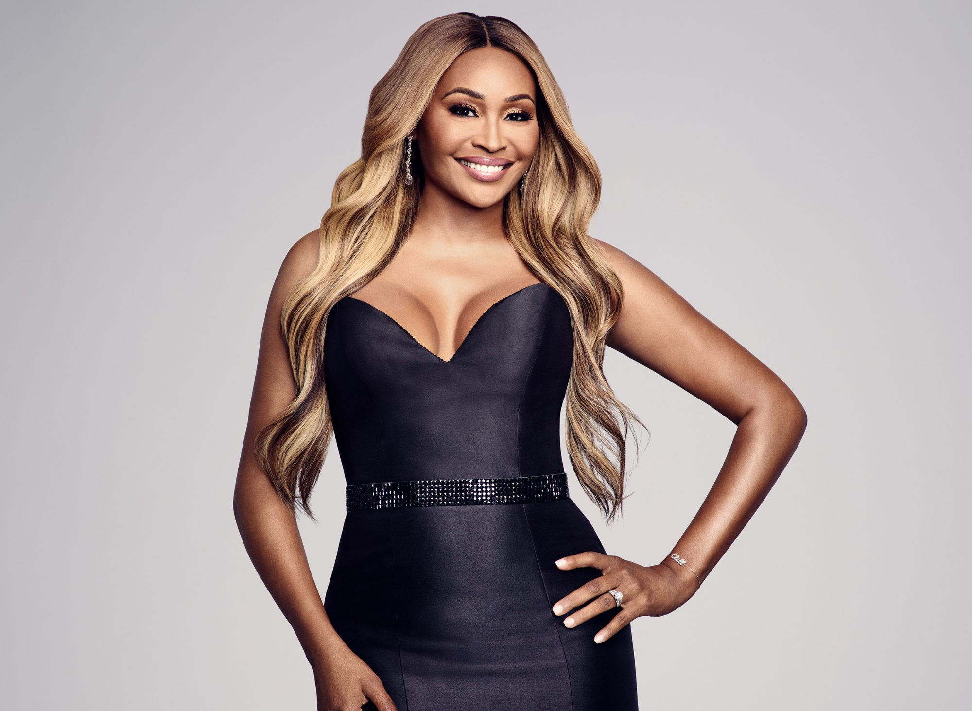 """""""cynthia-bailey-surprises-fans-with-these-pics-in-which-she-is-flaunting-her-curves"""""""