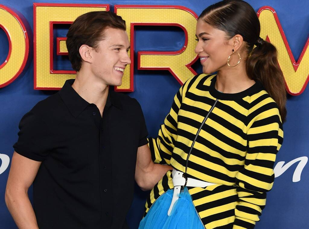 """""""zendaya-and-tom-holland-make-out-in-public-finally-confirming-longtime-rumored-romance"""""""