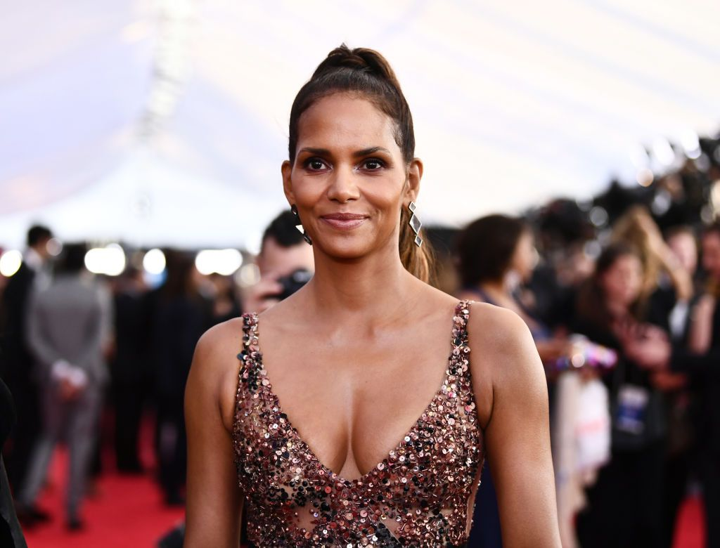 """""""halle-berry-reveals-she-broke-two-ribs-check-out-the-details"""""""