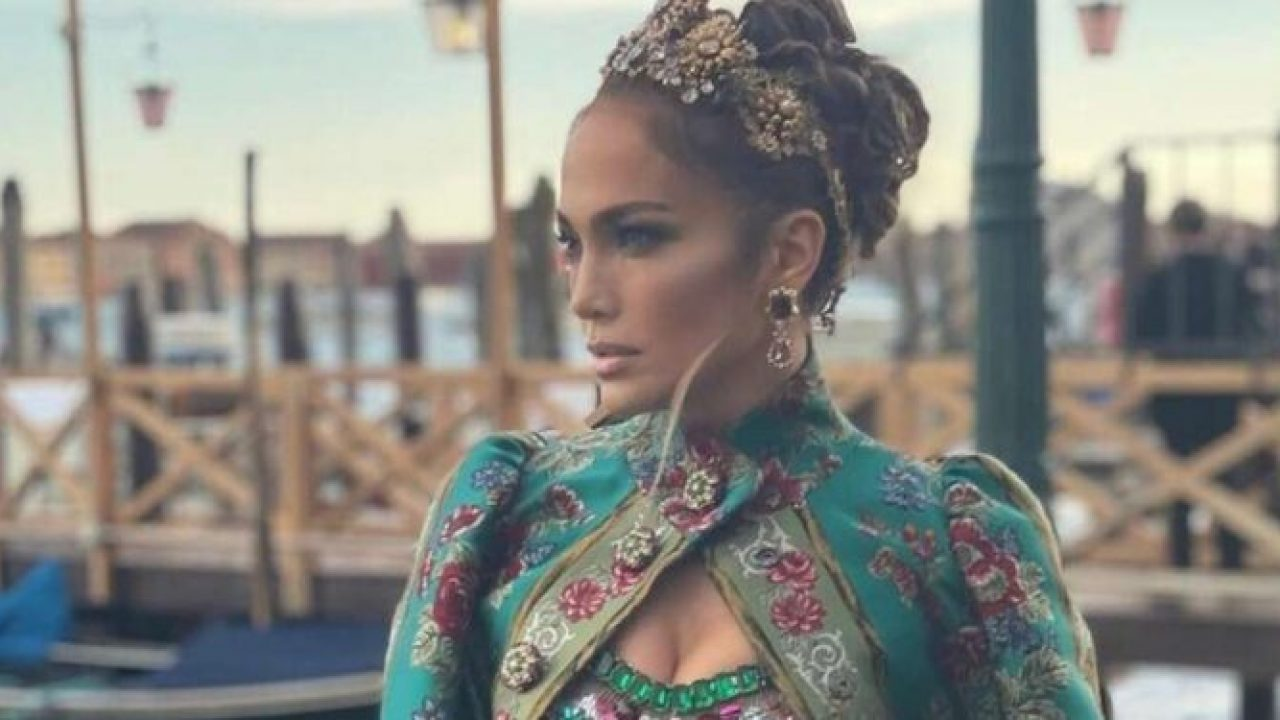 dolce-and-gabbana-held-a-fashion-show-in-italy-see-j-lo-ciara-and-more-shining