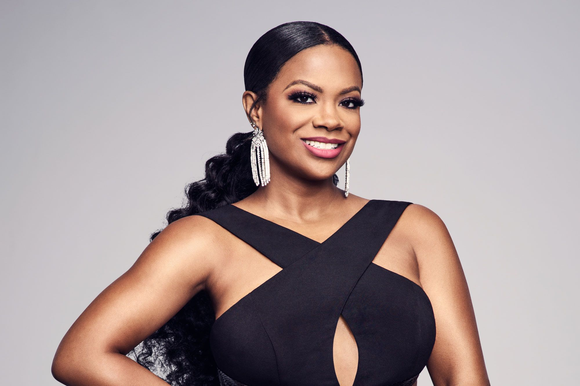 kandi-burruss-is-featured-in-the-fall-issue-of-hello-beautiful-magazine