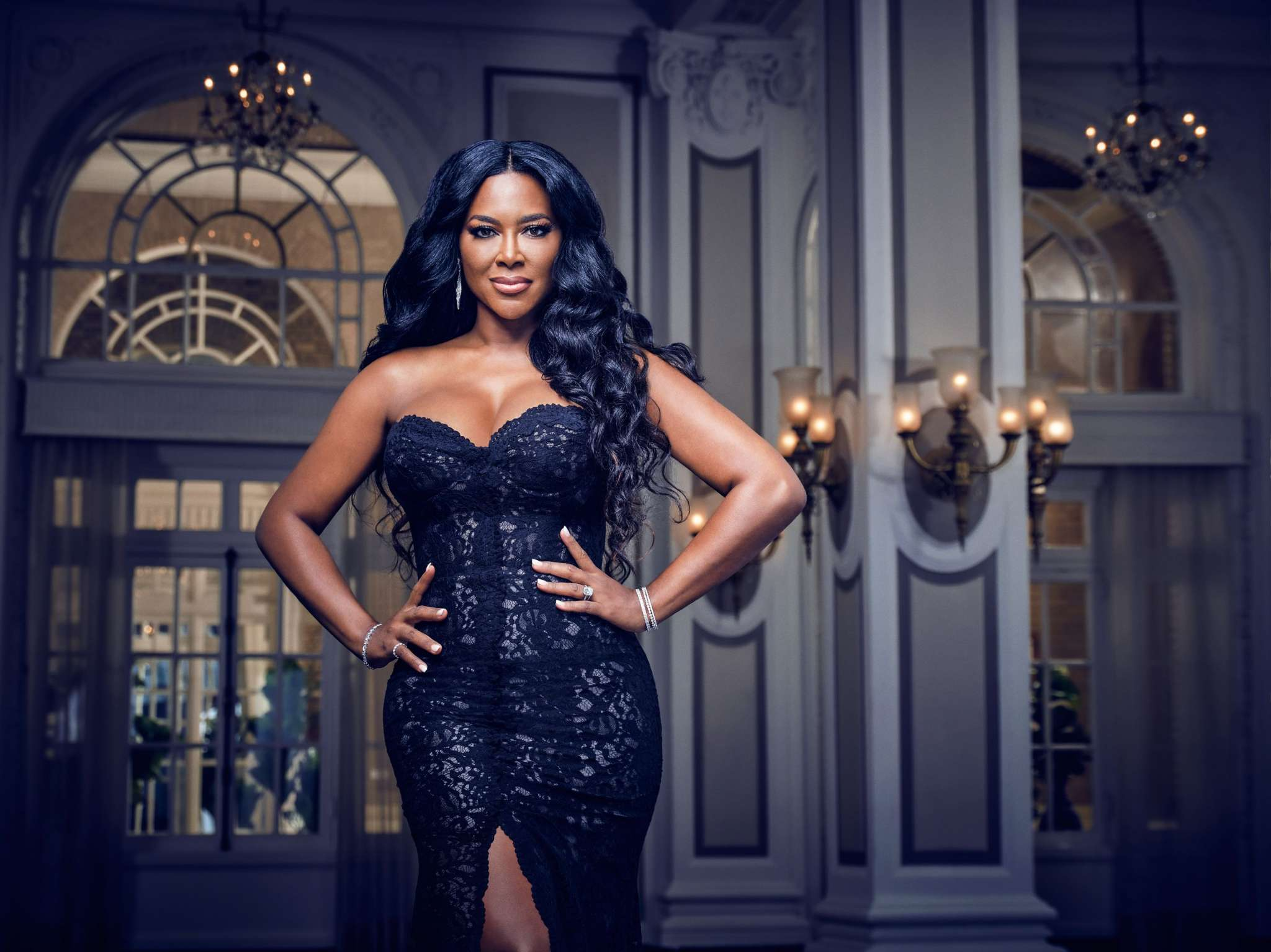 kenya-moore-looks-gorgeous-in-this-pink-outfit-see-her-latest-pics