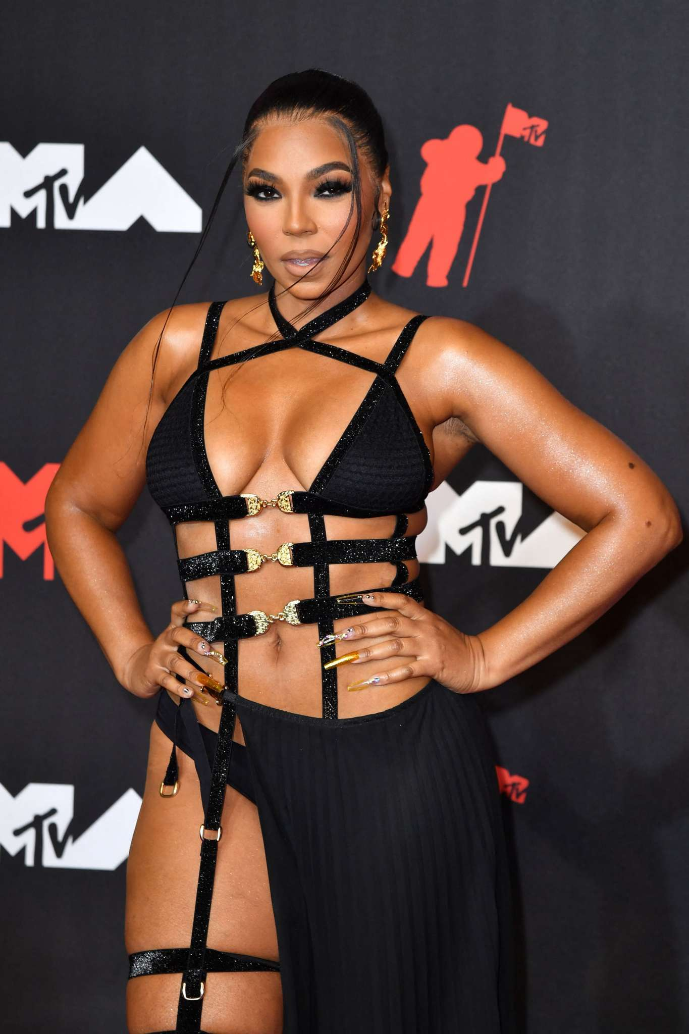 ashanti-tells-fans-she-is-seeing-someone-see-the-video
