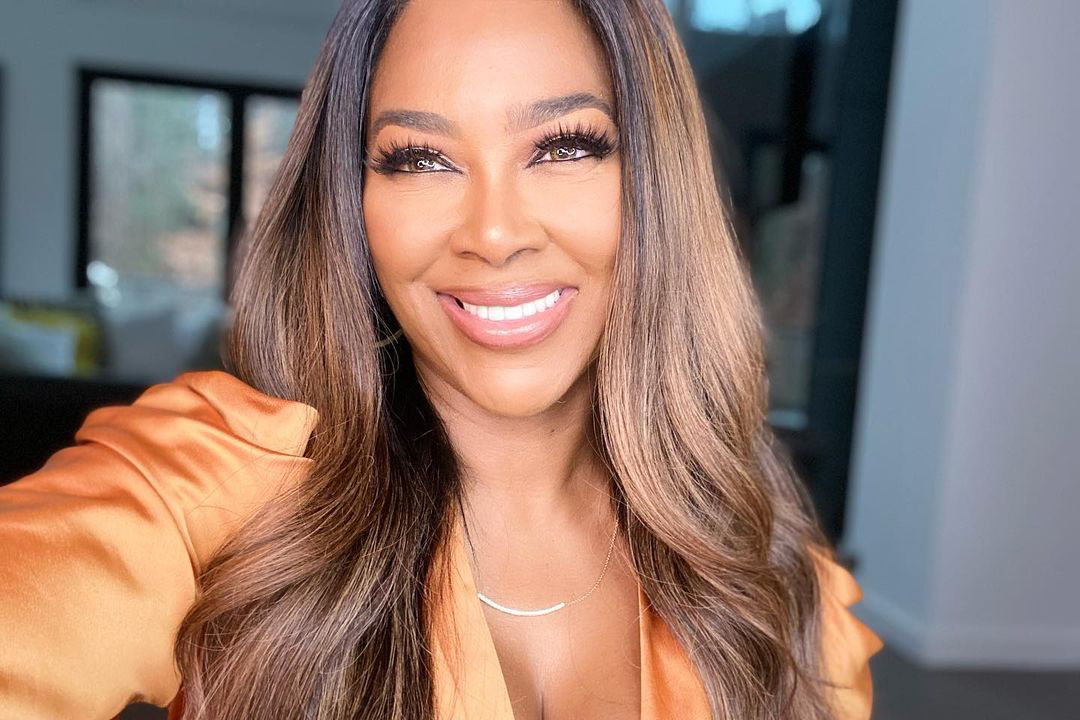 Kenya Moore pushes herself through the pain and is looking for better days